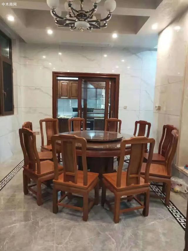 红木家具圆餐桌价格,一桌六椅需要多少钱一套厂家