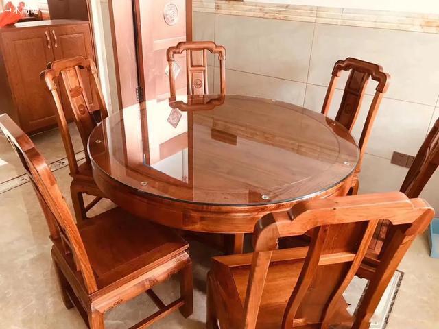 红木家具圆餐桌价格,一桌六椅需要多少钱一套图片