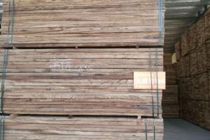 喀麦隆边境关闭,木材供应商无法正常运输木材