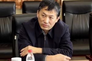 满洲里市委副书记,市长包野主持召开木材产业发展座谈会