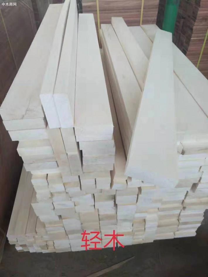 印度尼西亚轻木原木生产加工视频图片