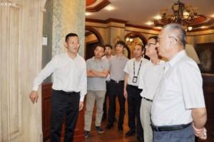 中国木材与木制品流通行业领导李佳峰一行调研考察太仓木材市场