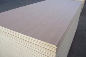 桉木胶合板生产厂家批发价格
