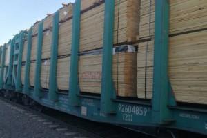 总值60余万元俄罗斯进口木材抵达乌兰察布市