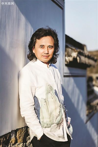 黄小明:以刀代笔,谱写东阳木雕新篇章