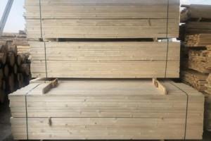 为什么说樟子松木板材是最适合做防腐木处理的一种木材?
