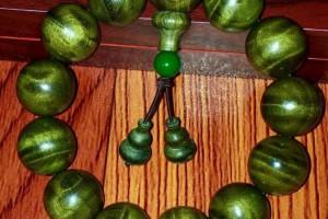 怎么辨别绿檀木的真假及保养方法?