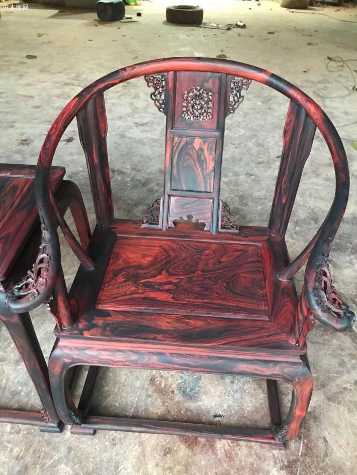 大红酸枝圈椅三件套高清视频图片
