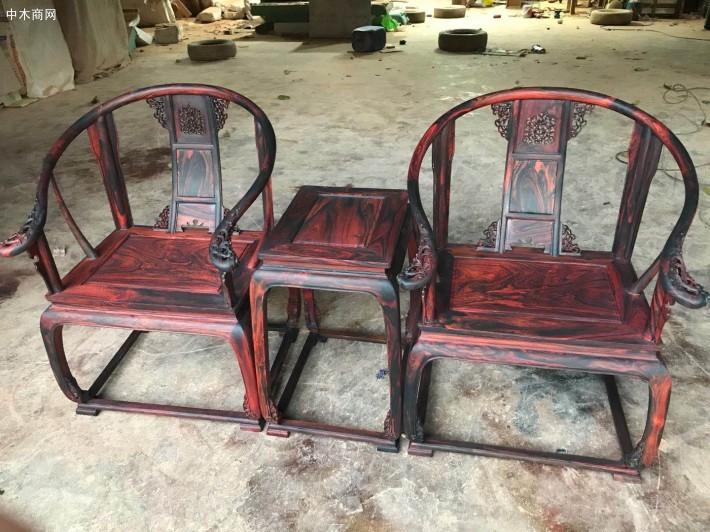 三件套大红酸枝皇宫圈椅要多少料