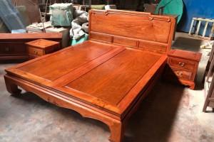 一张缅甸花梨木大床出厂价2万多