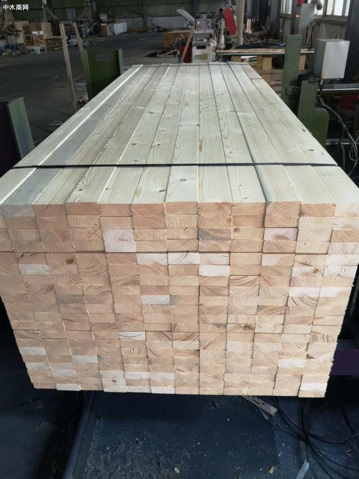 苏州太仓樟子松床板才批发首选太仓展久木业图片