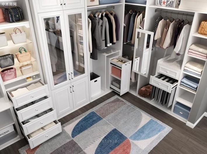 索菲亚衣柜怎么样,索菲亚衣柜价格是多少厂家