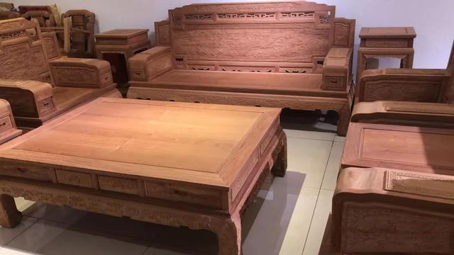 红木家具深受大家喜欢,有些内行人却不建议购买,这是为什么图片