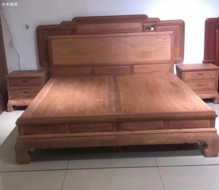 红木家具深受大家喜欢,有些内行人却不建议购买,这是为什么厂家
