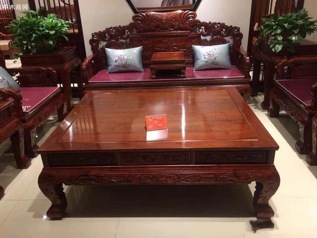 红木家具深受大家喜欢,有些内行人却不建议购买,这是为什么价格