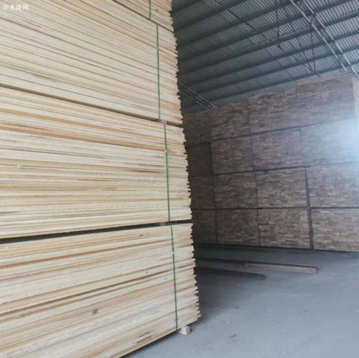 东北杨木板材的优缺点吗及东北烘干杨木板材价格多少钱一方厂家