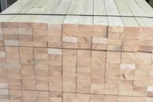 选购铁杉防腐木时需要注意些什么及施工注意事项?