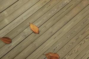 防腐木地板有哪些优缺点及价格多少钱一平方?