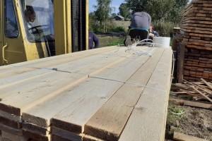 俄罗斯松树枞树木板材原产地直销