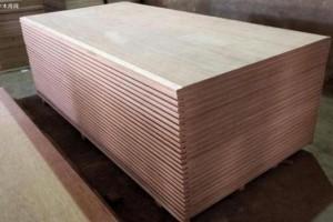为什么人造板内会含有大量甲醛气体?