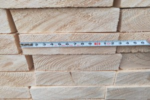 俄罗斯的云杉和松木锯材也有樟子松,桦木,白杨木板材原产地批发