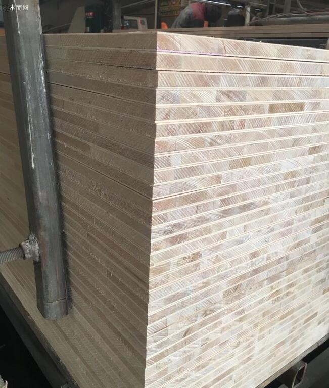 免漆板材杉木芯和马六甲什么意思图片