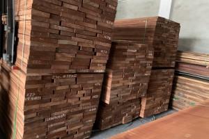 东莞厚街宸轩木业进口非洲沙比利木板材高清图片