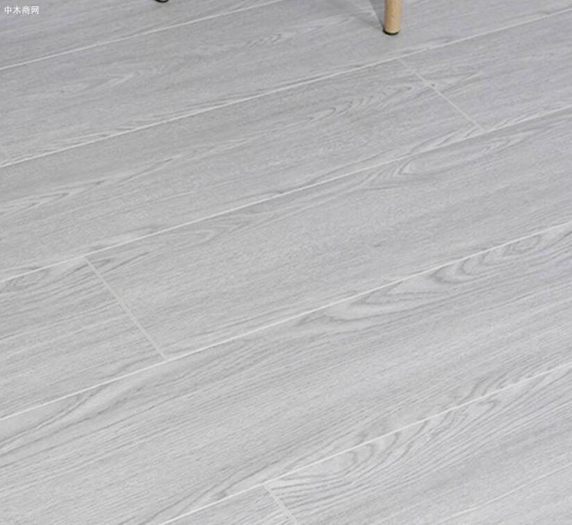 免漆实木地板的优缺点及价格多少钱一平方品牌