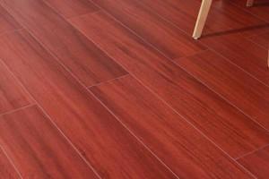 免漆实木地板的优缺点及价格多少钱一平方?