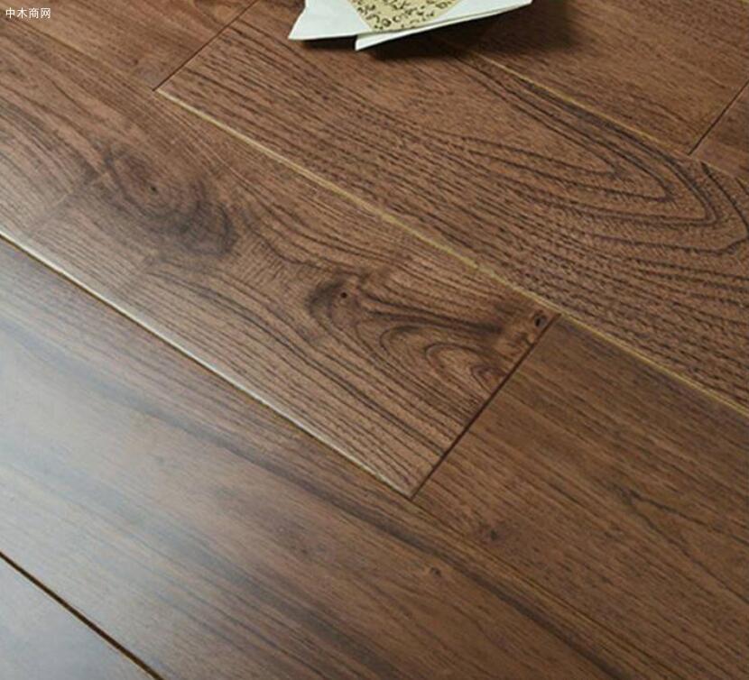 免漆实木地板如何养护及翻新方法图片