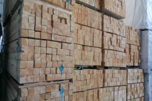 樟子松建筑木方厂家直销自有物流体系