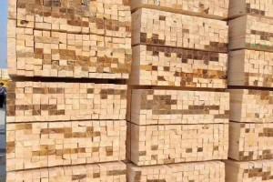 云杉建筑木方厂家直销自有物流体系