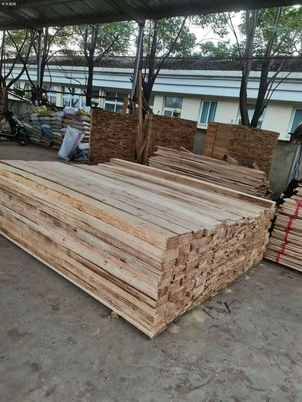 装横杉木条子、杉木板材、香杉木建筑木方、工程开片材、方木、线材图片