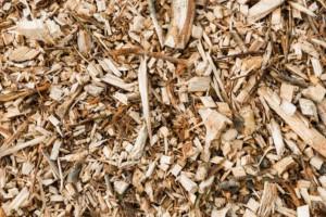 求购:硬杂木木片粉碎做颗粒的