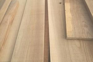 大连海关破获3亿元走私实木板材案件