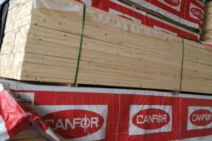 加拿大西部的SPF板材继续从北美各地大量涌入