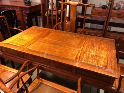 缅甸花梨木茶台的价格一般是多少?
