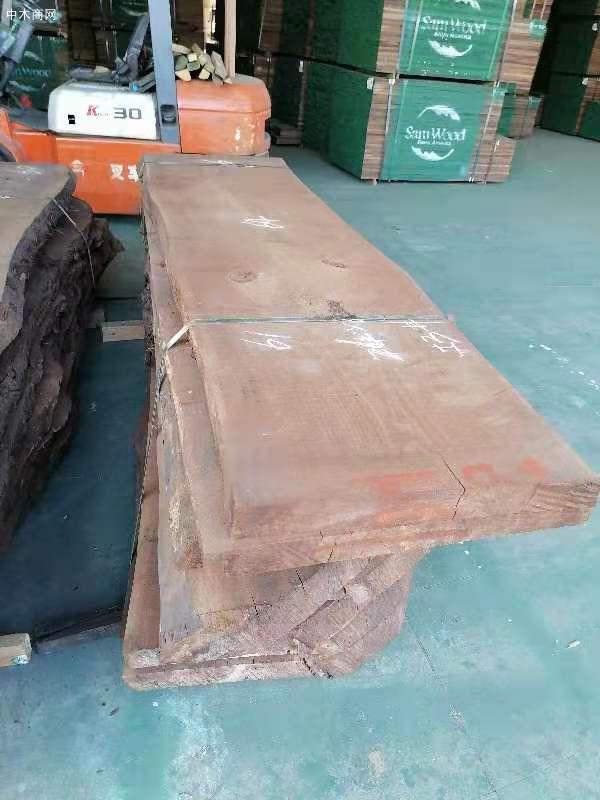 天津进口美国黑胡桃木板材高清视频供应