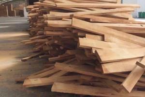 橡胶木的加工特点及橡胶木实木家具的优缺点?