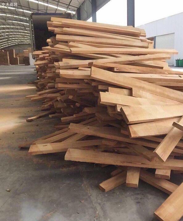 橡胶木的加工特点及橡胶木实木家具的优缺点图片