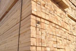 建筑方木通常用什么材质好?