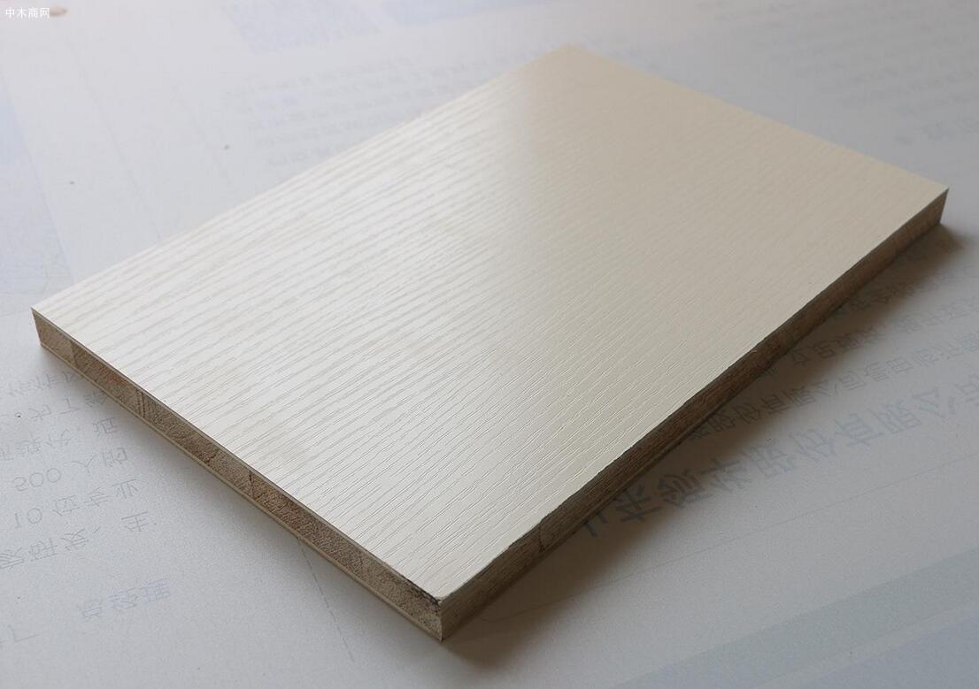 什么是薄木贴面板及种类?装修薄木贴面板怎么选材
