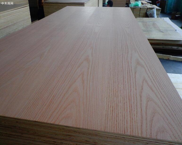什么是薄木贴面板及种类?装修薄木贴面板怎么选材供应