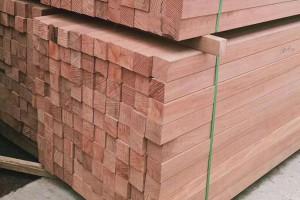 柳桉木防腐木板材高清图片