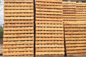 如何正确摆放木托盘?80%的仓库人员都摆错了!
