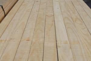 求购:松木板材