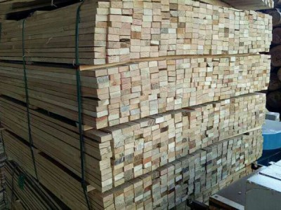 精品松木薄板出售