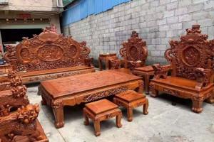 一套精品的缅甸花梨宝鼎沙发,器型好,纹理漂亮!