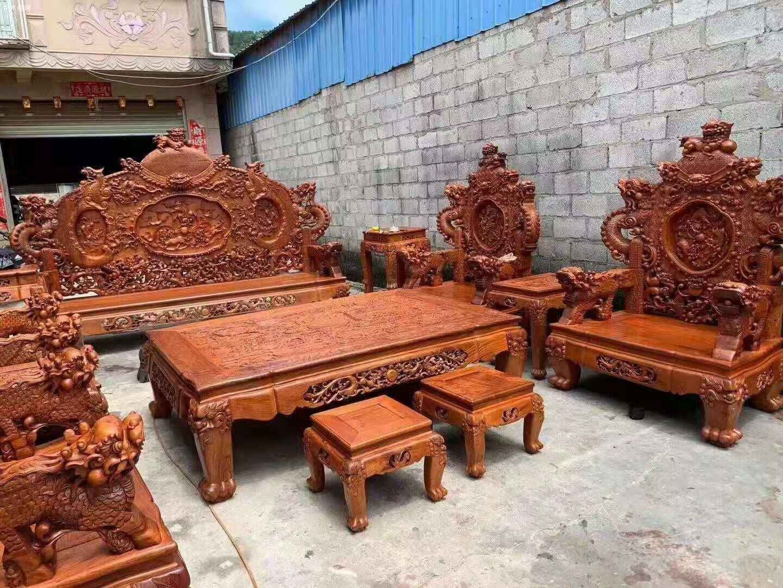 一套精品的缅甸花梨宝鼎沙发,器型好,纹理漂亮