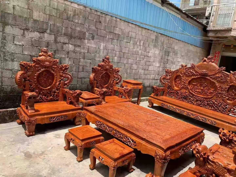 一套精品的缅甸花梨宝鼎沙发,器型好,纹理漂亮批发